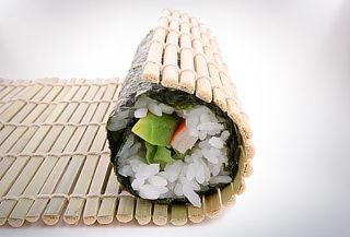 ¡Sushi en casa! Kit para hacer Sushi - Incluye 05 accesorios
