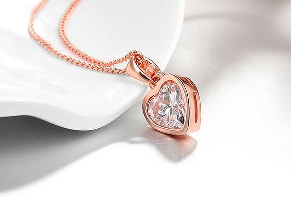 Collar de Corazón Enchapado en Oro Blanco u Oro Rosa