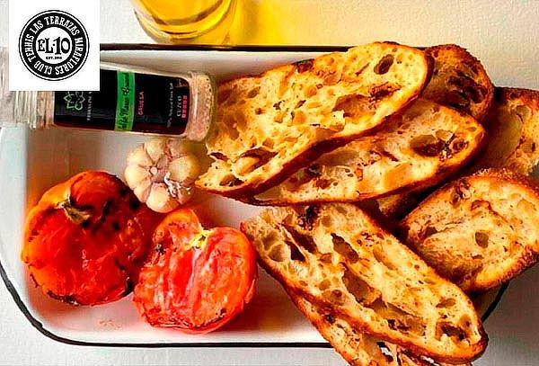 Parrilla de la casa + Burrata Ensalada + Focaccia Pan