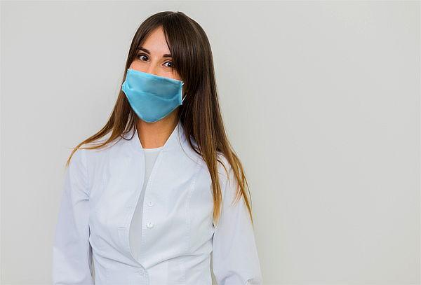 ¡La Salud es lo Primero! Pack de 50 Mascarilas