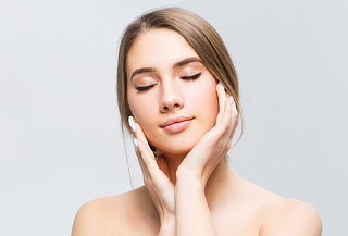 ¡Para 2! Limpieza Facial Profunda + Vit C + Peeling y Más