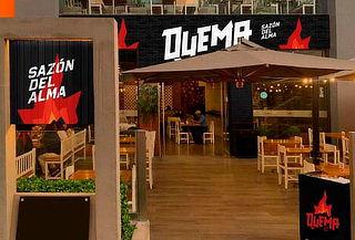 Parrilla para 2 + 2 Copas de Vino en La Quema Restaurante