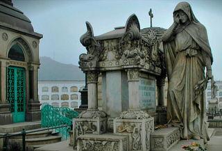 Tour Nocturno en ¡Cementerio Presbístero Matías Maestro!