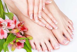 Manicure + Pedicure + Exfoliación e Hidratación y Más